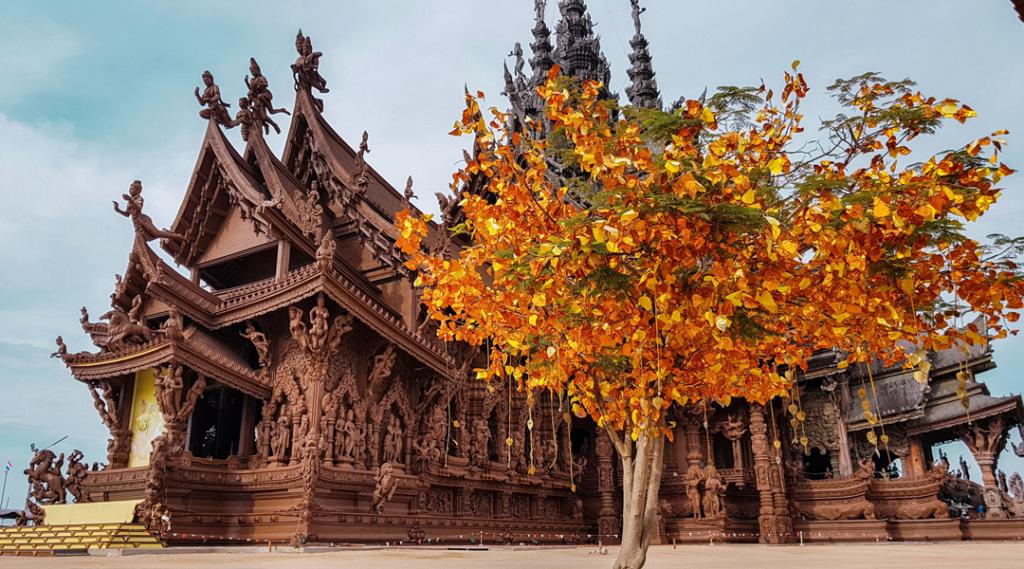 Santuário da verdade templo de madeira, Tailândia Pattaya