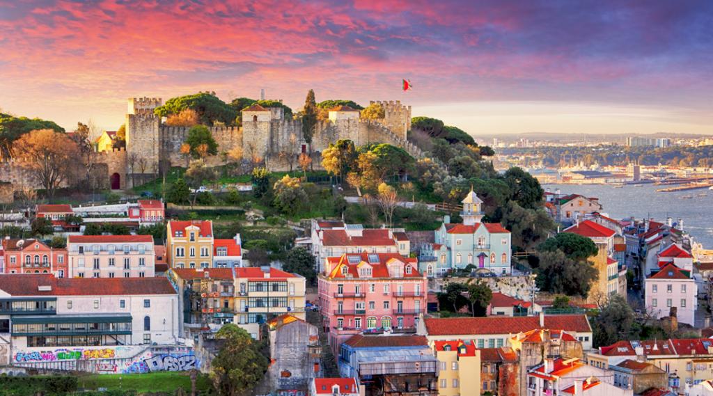 Lisboa, Portugal horizonte com Castelo de São Jorge
