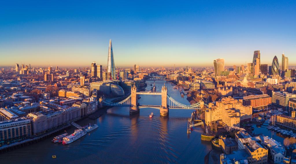 Vista panorâmica aérea da cidade de Londres e do rio Tamisa, Inglaterra, Reino Unido. Seguro viagem europa