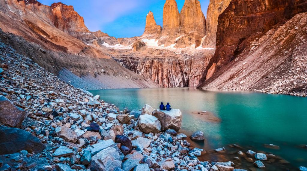 Torres del Paine, Parque Nacional - Laguna Torres, famoso marco da Patagônia, Chile. Seguro viagem internacional