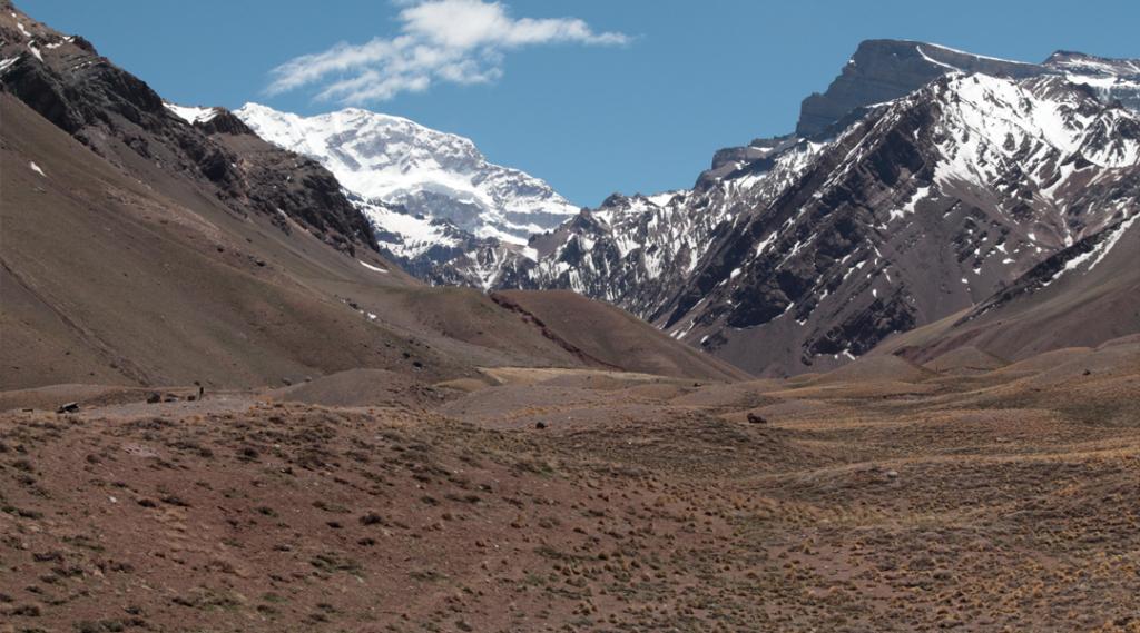 Mirante Aconcágua em Mendonza Argentina. Seguro viagem américa do sul