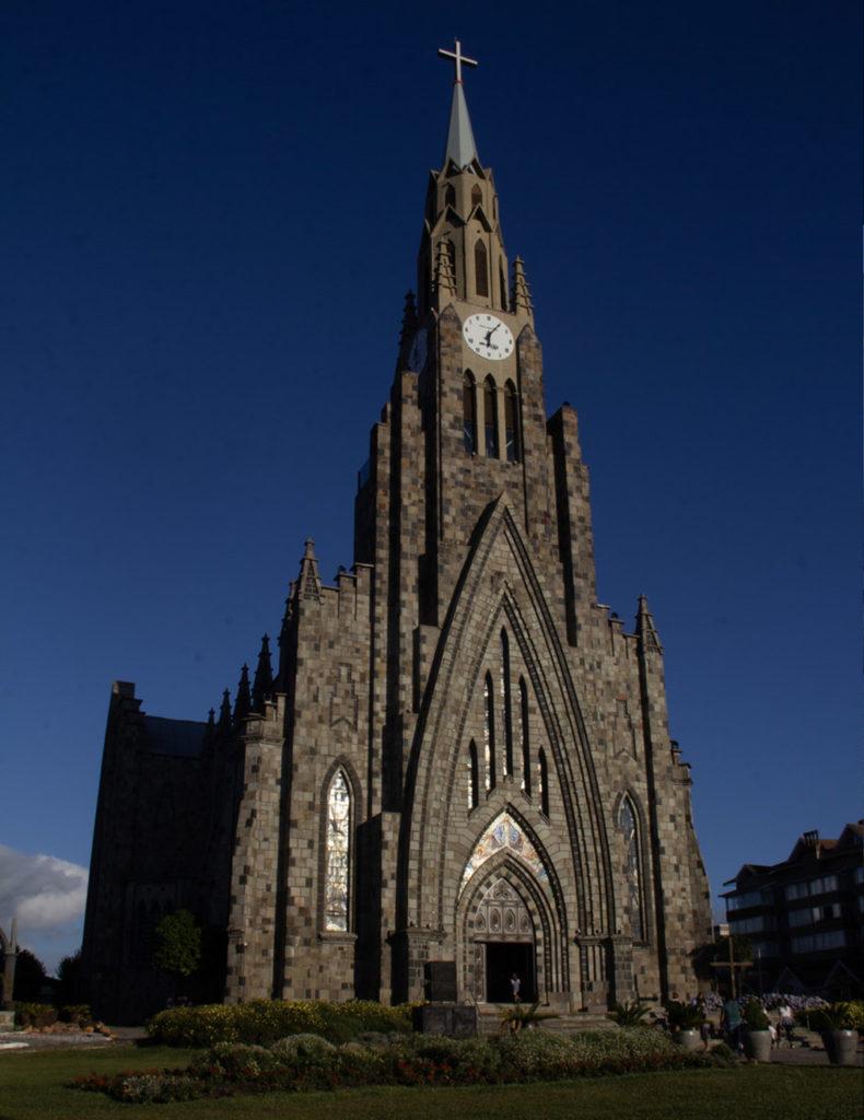 imagem catedral de pedra em canela