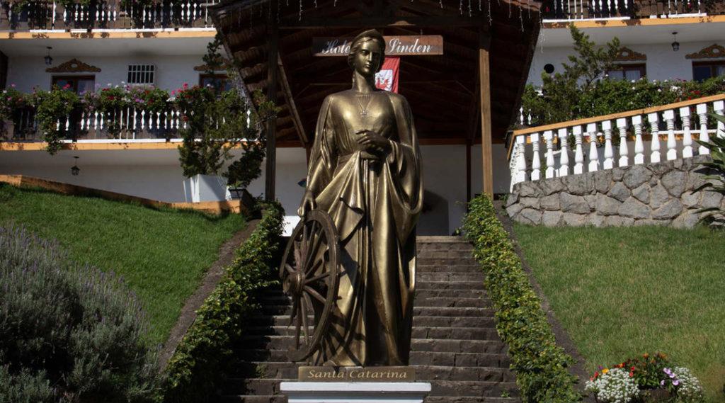 imagem de estatua de bronze - a europa brasileira